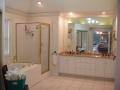 Master bath 1 11879 Red Oak Dr